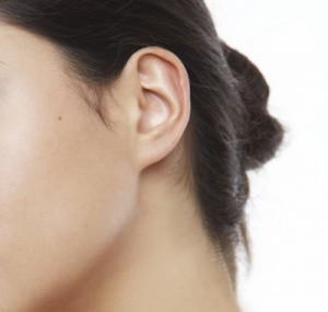 изменить форму мочки уха